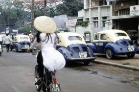 1971 vietnam aodai