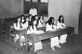 Nữ sinh Trung học trước 1975 11