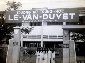 Nữ sinh Trung học trước 1975 17