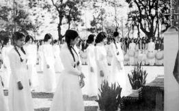 Nữ sinh Trung học trước 1975