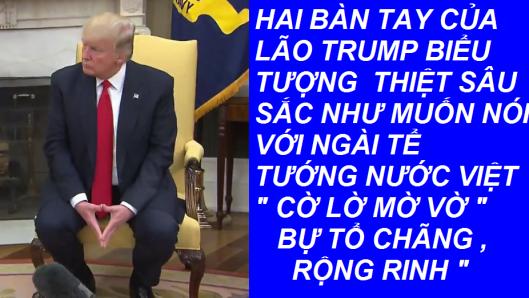 HAI TAY LAO TRUMP